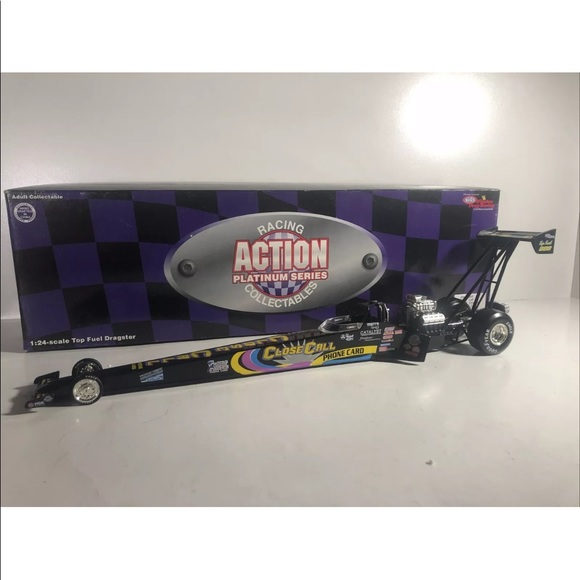 Action racing NHRA Top fuel dragster
